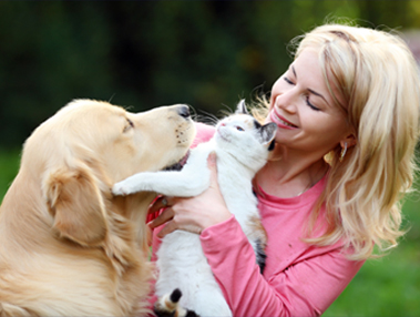 What Type of Pets Does A Pet Sitter Take Care Of?